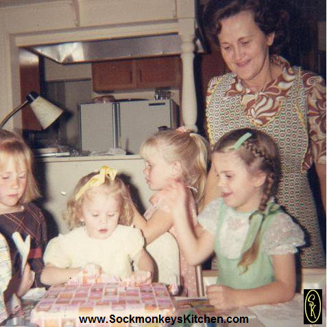 (L-R) cousin Cheryl, me, cousin Cyndie, sister Robin and Grandma Casey